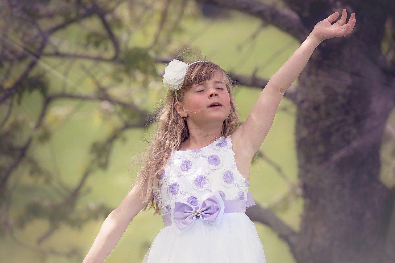 Duševno zdravje, deklica pleše
